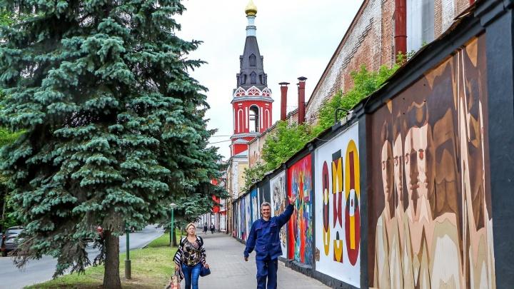 Гуляем по свежему стрит-арту. Художники подарили Нижнему Новгороду галерею под открытым небом