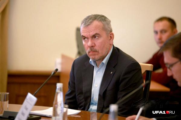 Временно исполняет обязанности мэра заместитель главы по вопросам ЖКХ Салават Хусаинов