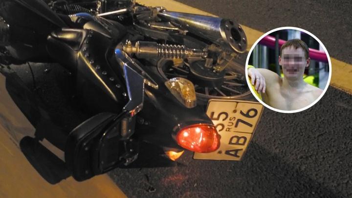 «Его переехала машина»: мама разбившегося 17-летнего байкера ищет очевидцев ДТП в Ярославском районе