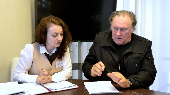 Новосибирская налоговая заблокировала счета Жерара Депардье