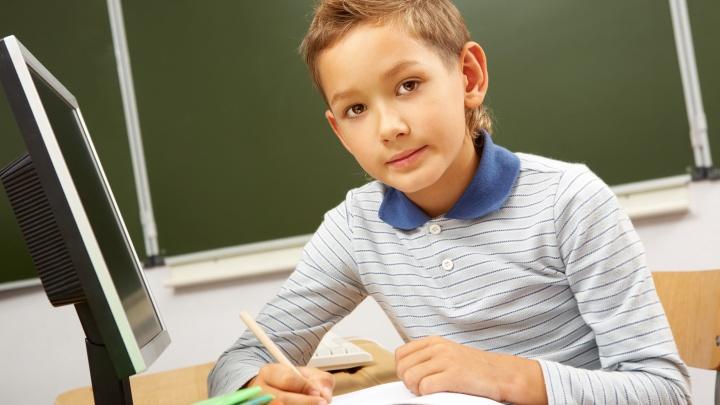 «Домашка» с удовольствием: как обустроить рабочее место школьника