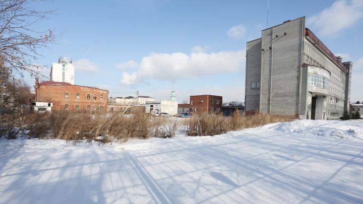 На спорткомплекс для силовиков в центре Челябинска проФОКают 170 миллионов