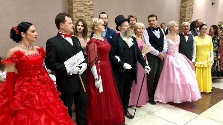 «Вальса вихорь шумный»: волгоградцев зовут станцевать на пушкинском балу