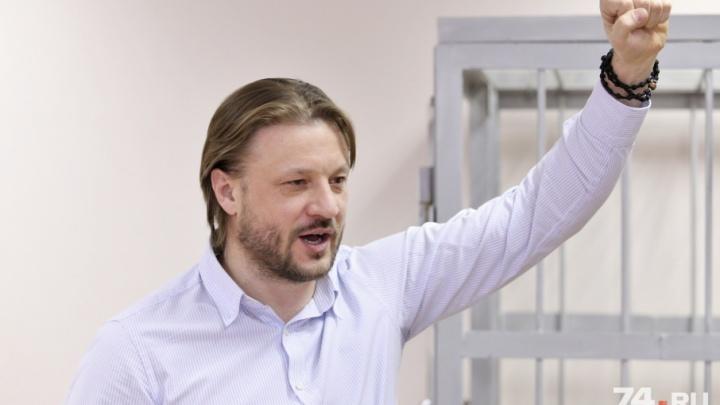 Отдых с главой УФСБ и ночь в фекалиях: в суде начался допрос обвиняемого во взятке Николая Сандакова
