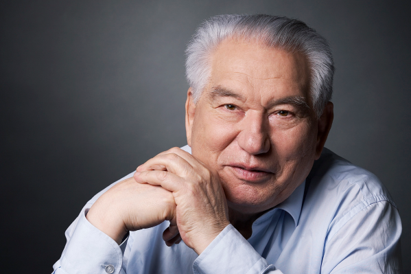 Чингиз Айтматов — автор культового романа «Плаха»