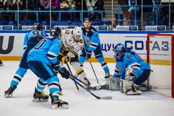 Новосибирцы уступили «Северстали»со счётом 4:5