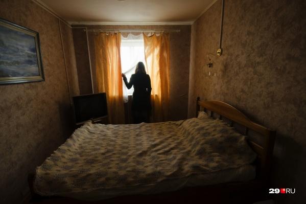 Часто женщина не может вырваться из ситуации домашнего насилия без помощи психологов, поскольку муж не только бьет ее, но и подавляет морально