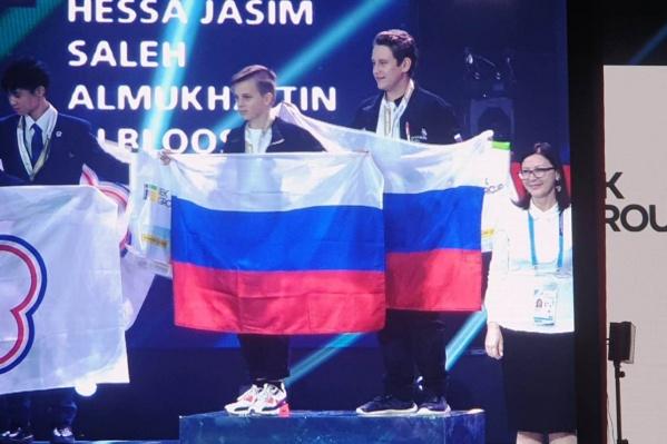 Глеб Бугаев (справа) выиграл золотую медаль вместе с напарником из Москвы Борисом Некрасовым (слева)