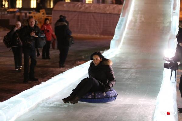 Наталья Котова для катания выбрала тюбинг, а не ледянку