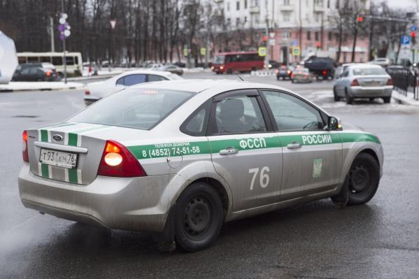 Приставы вернули женщине 2500 рублей
