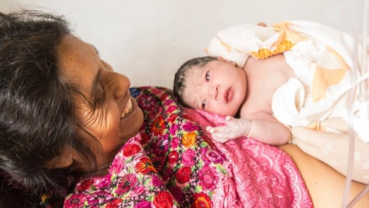 Колоть ботокс россиянкам или лечить детишек в Гватемале: врач из Уфы — о том, кому помощь нужнее