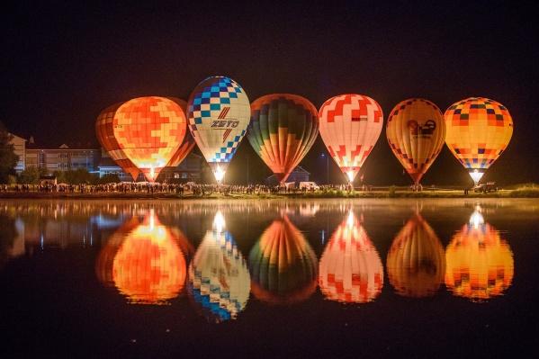 Ночное свечение шаров будет 31 июля в 21:00 в Семёнове