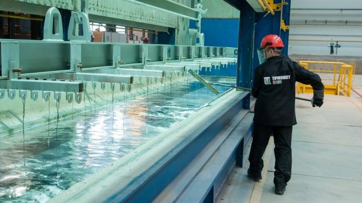В Шадринске работник завода упал в емкость с кислотой. Следователи проводят проверку