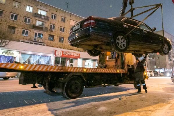 Механик показал днище автомобиля после зимы