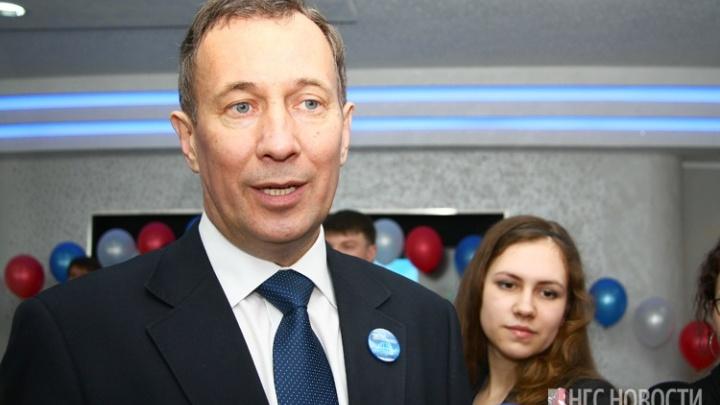 «Первым делом на дачу съездил»: директора планетария выпустили из-под домашнего ареста