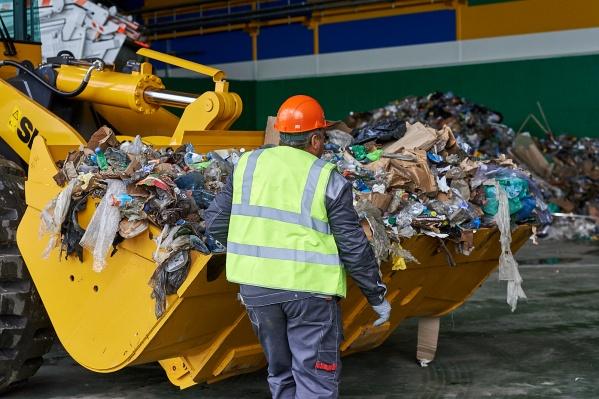 Общая сумма выявленных переплат за мусор составила около 20 тысяч рублей