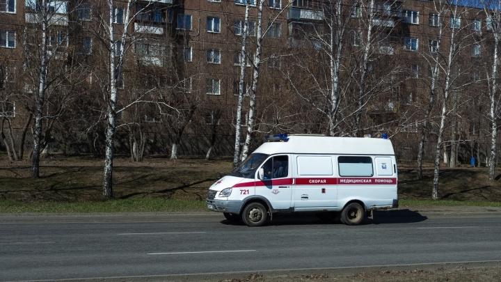 «Стояли и удивлялись»: южноуралец после смерти отца обвинил в бездействии врачей скорой помощи