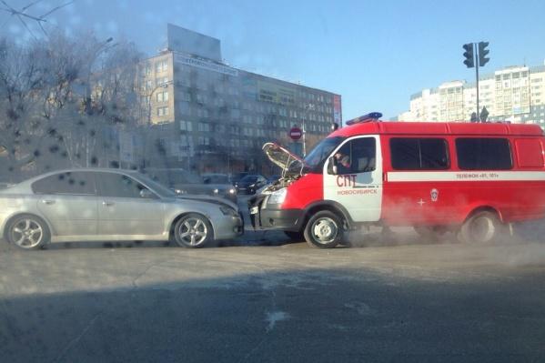 По информации очевидца, в аварии никто не пострадал