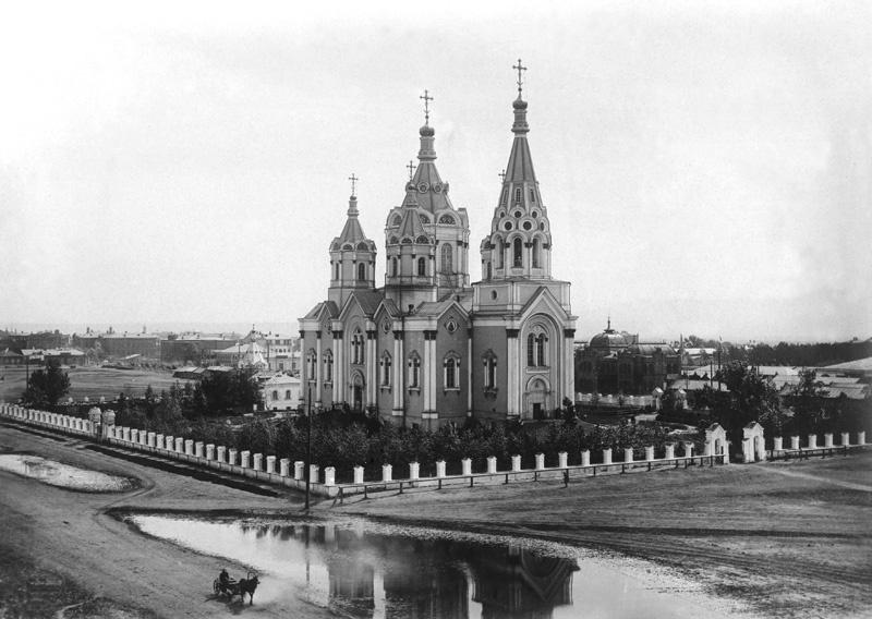 Картинки по запросу Так выглядел Богородице-Рождественский кафедральный собор до взрыва в 1936 году