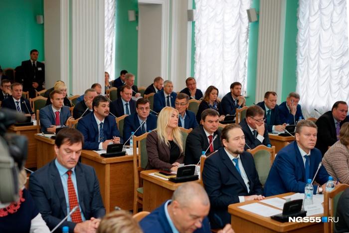 Кандидатам в мэры Омска разрешили идти на выборы без программы