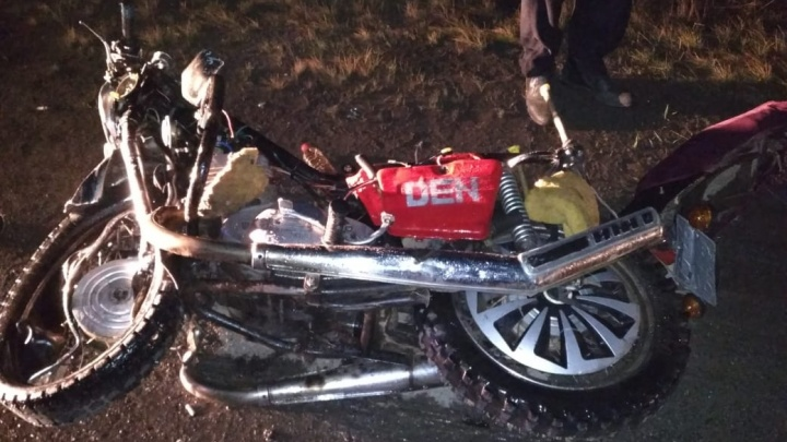 Без шлема и без прав: в Башкирии после столкновения с автомобилем погиб мотоциклист