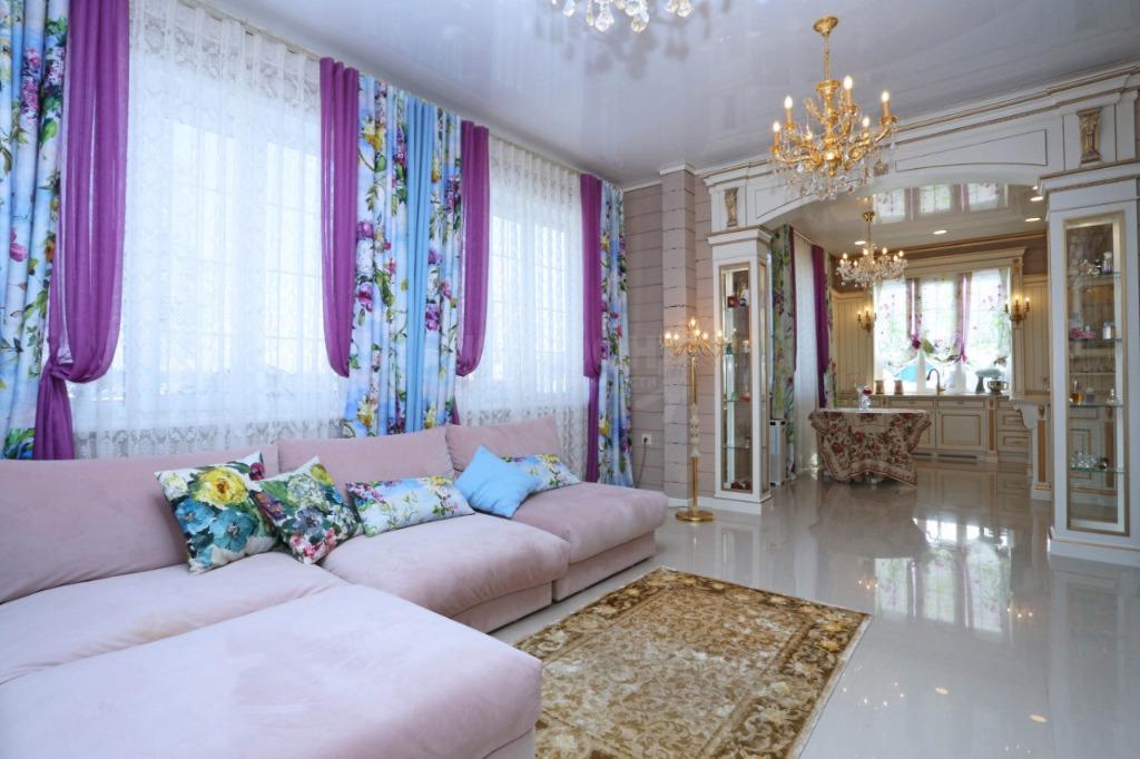 Интерьеры этого дома продумывала супруга новосибирского миллиардера