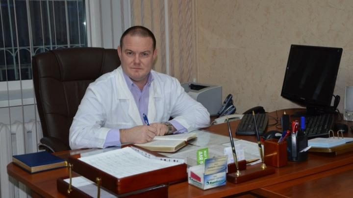 Медицинская династия: отец уступил сыну место главврача омского наркодиспансера