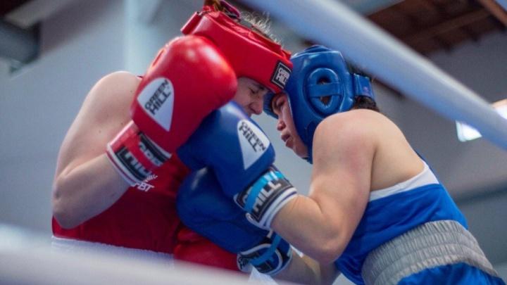«Не справилась с волнением»: челябинская юниорка выиграла бронзу первенства Европы по боксу