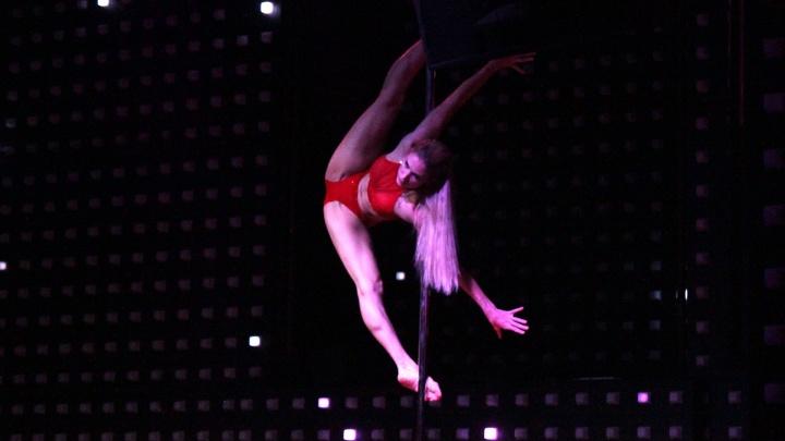 Танец на пилоне: о сложном спорте и лёгкой критике