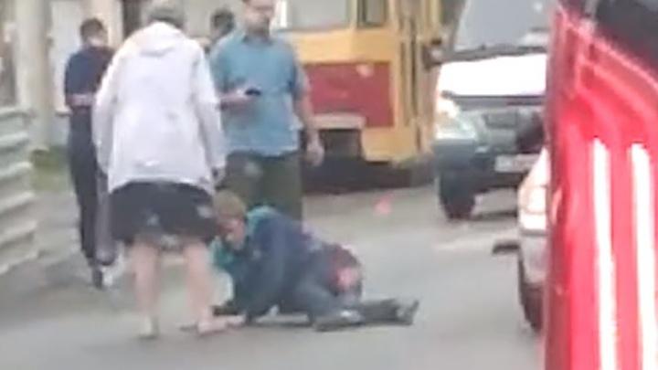 «Пешеход был весь в крови»: в Пионерском сбили 21-летнего парня, который переходил дорогу