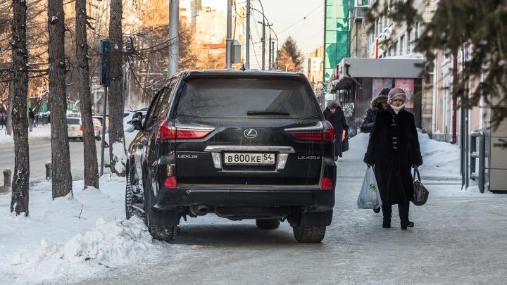 «Я паркуюсь как чудак»: Lexus LX — бедняки, расступитесь