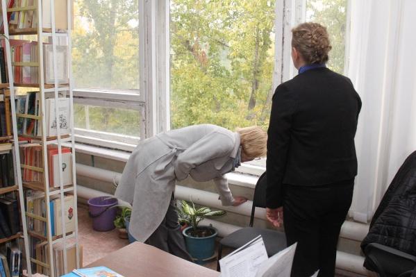 Отопление в школах и больницах проверила мэр Елена Лапушкина