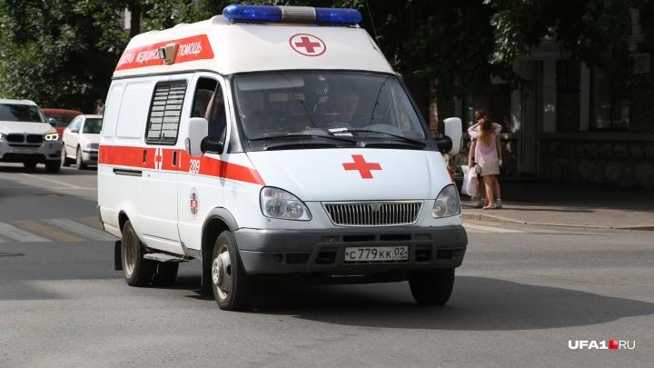 Выпала из окна, сломала ногу: в Уфе во время перемены в школе с выпускницей произошло ЧП