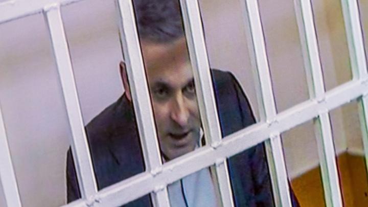 Будут лечить тюремные врачи: экс-сенатора Цыбко, заявившего об опухоли, оставили за решёткой