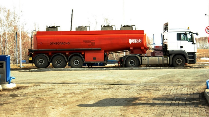 Омская сеть АЗС подняла стоимость газа на 54 копейки