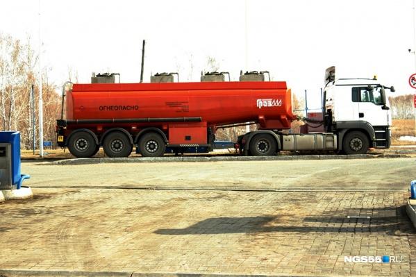 В среднем литр газа на омских АЗС стоит чуть больше 20 рублей