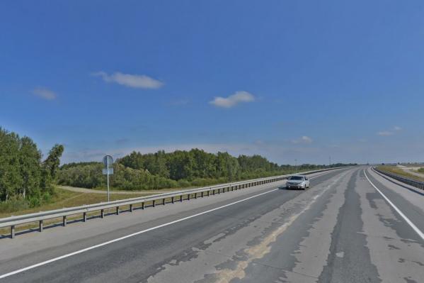 На участке дороги, которую строил «Сибмост», нашли сотню нарушений