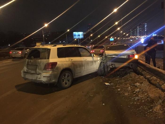 За ночь на Ипподромской столкнулись 13 машин