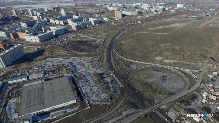 Отремонтированная в прошлом году дорога до «Солнечного» стала разваливаться