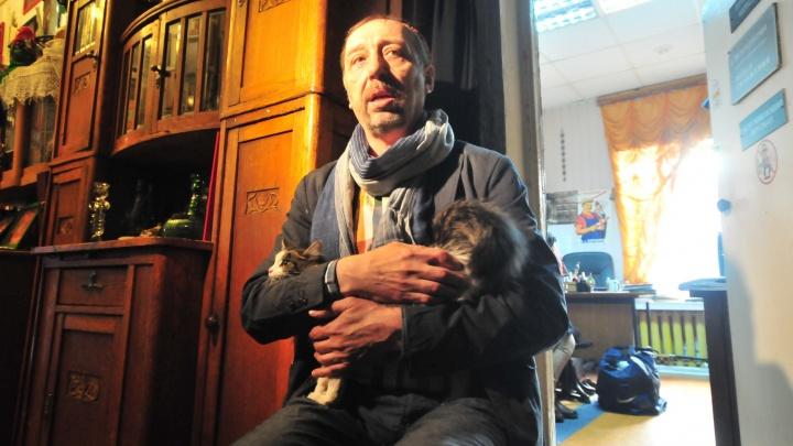 «Если бы я не писал пьесы, жил бы на 10 тысяч рублей»: Николай Коляда рассказал о своей пенсии