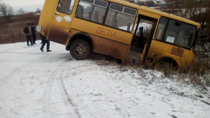В Башкирии автобус со школьниками попал в ДТП