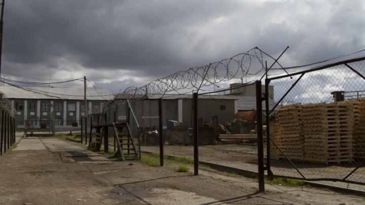 Повесили на шарфе: экс-сотрудникам челябинской колонии огласили приговор за смерть заключённого