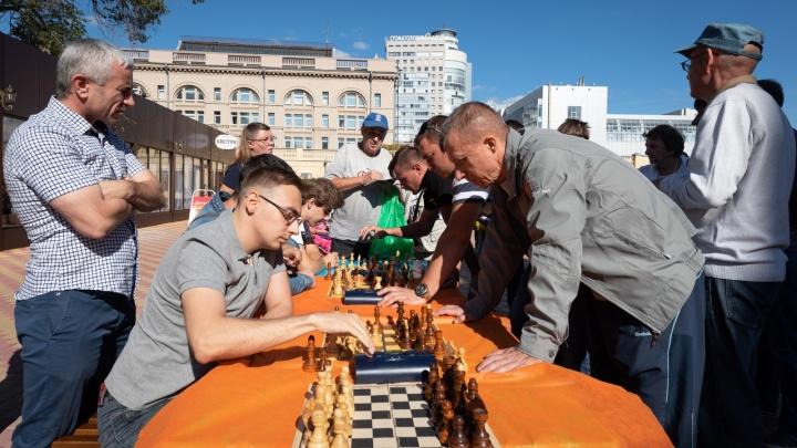 «Ход конём»: на волгоградском Центральном рынке предложили ввести шахматы в курс школьной программы