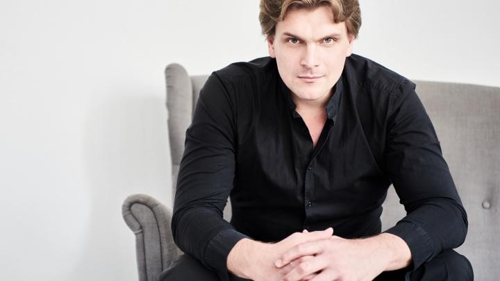 Главным дирижером екатеринбургского Оперного театра будет москвич, который руководил оркестром Чили