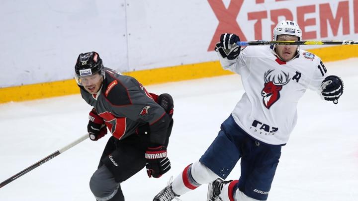 Едва не упустили победу: «Авангард» выиграл первый матч на турнире имени Пучкова