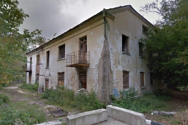 Храм займет место этого заброшенного дома