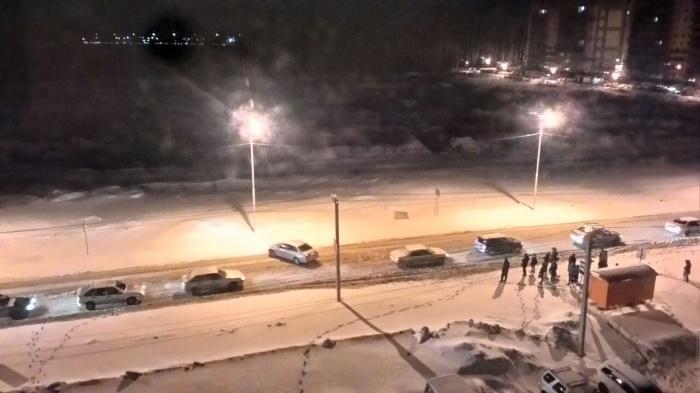 Жители ЖК «Матрёшкин двор» не могут уехать на работу