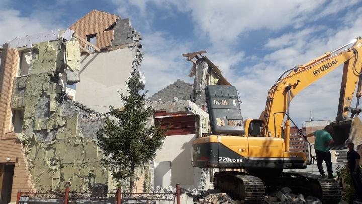 В Ленинском районе начали сносить церковь