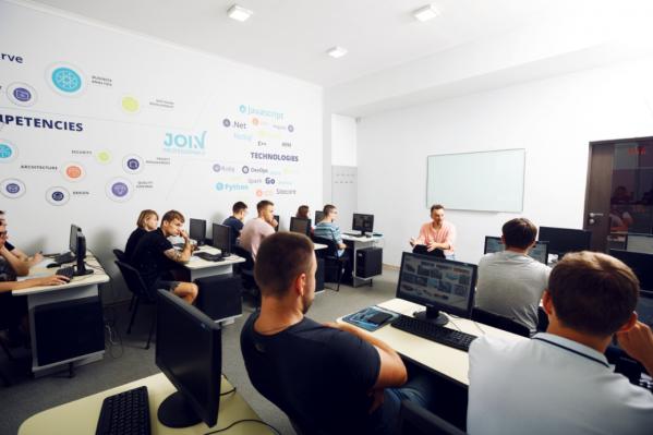 Стать IT-специалистом мирового уровня вне зависимости от степени подготовки можно в срок до 2,5 лет