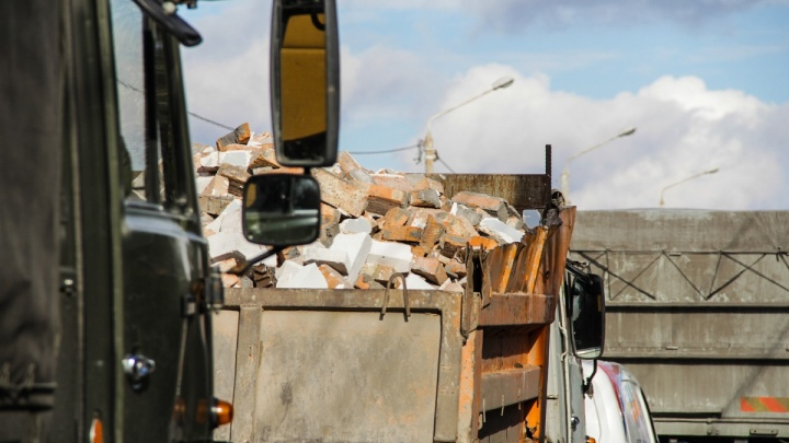Сортировку мусора на новом заводе в Левенцовке пообещали передвинуть подальше от жилых домов